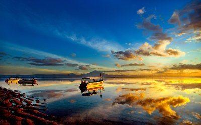 在印度尼西亚巴厘岛的沙努尔海滩2018