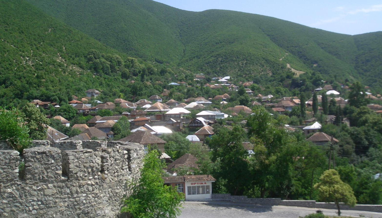 جوله حول مدينه شكي اذربيجان