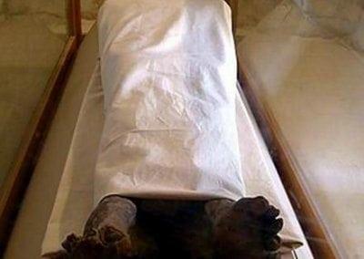 مقبرة ايزادورا