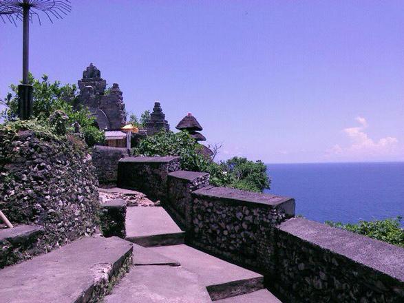 جوله حول معبد أولو واتو في بالي