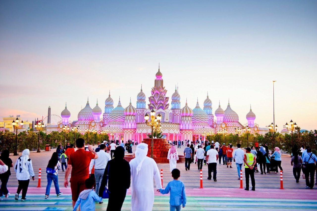 اهم الانشطة السياحية فى القرية العالمية في دبي
