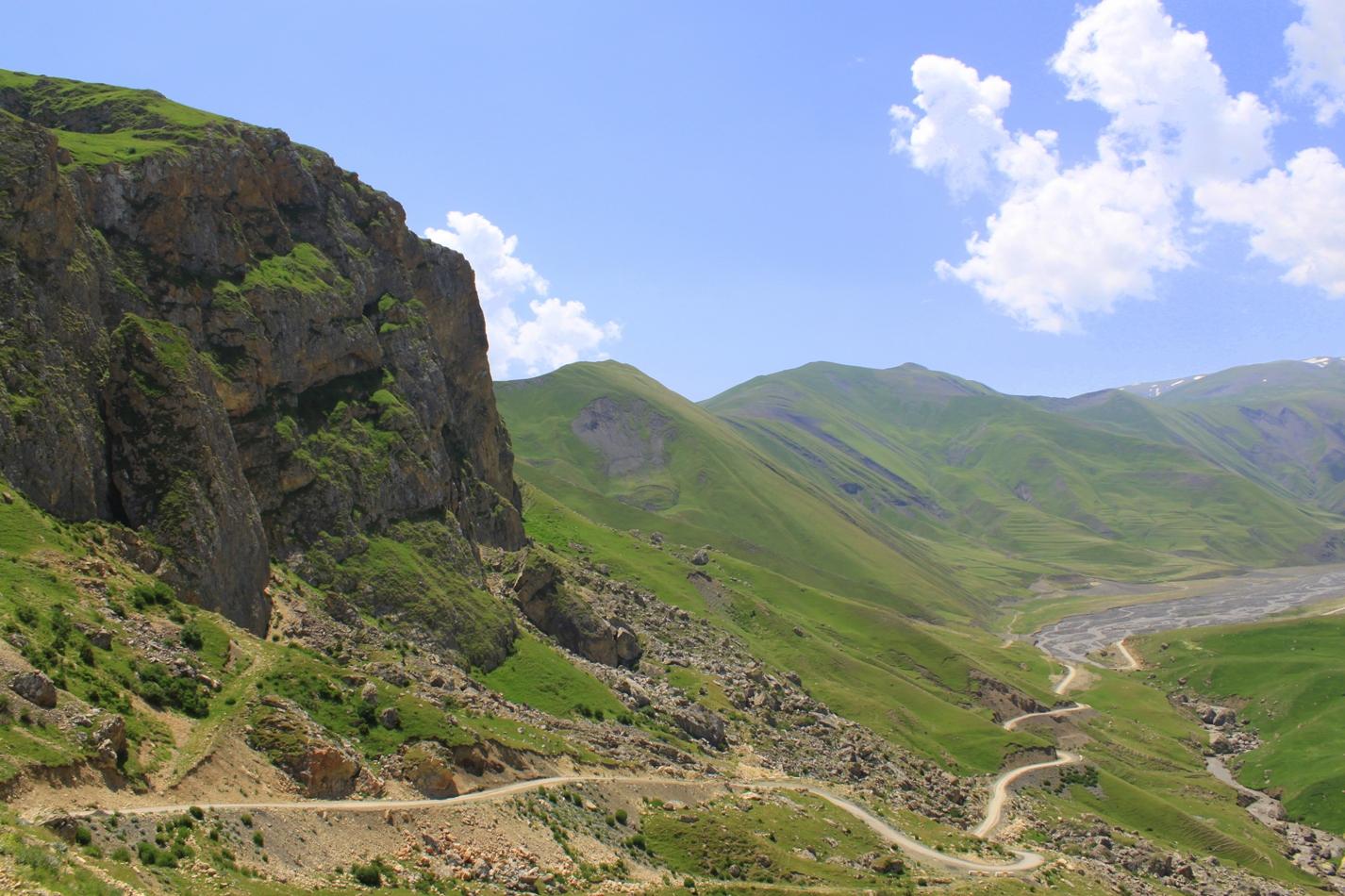 جوله حول قرية خيناليق اذريبجان